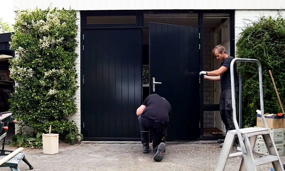 Montage openslaande garagedeuren