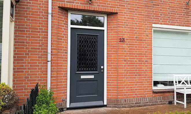 Voordeuren in Sneek, Friesland